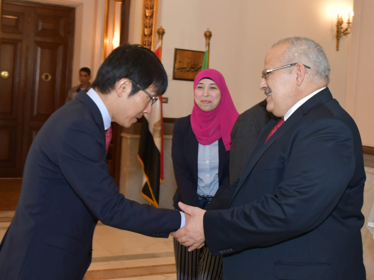 Cairo University president Dr. Mohamed Othman Elkhosht received on Thursday Japan International Cooperation Agency (JICA)'s Egypt Office Chief Representative Yoshifumi Omura, and his accompanying delegation, to discuss ways to deepen bilateral cooperation in education and research fields.
