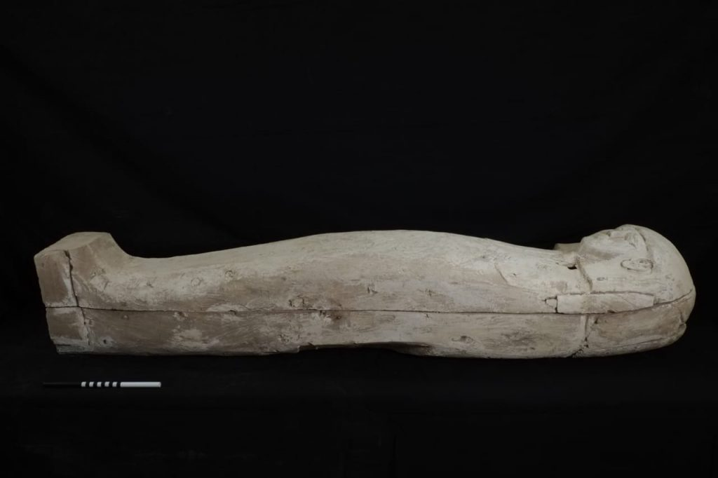 Spanish Mission Discovers Wooden Coffin in Luxor
