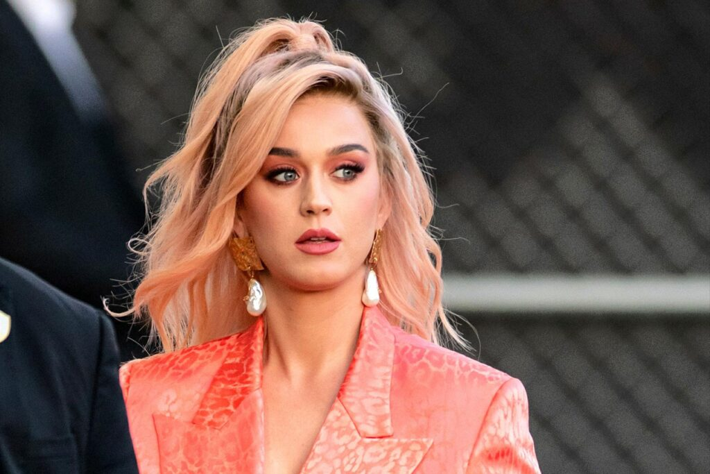 Katy Perry Dedicates Song To Her Unborn Daughter On Kp5 Sada El Balad